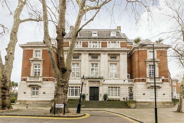 Thumbnail Flat for sale in Rosebery Avenue, London
