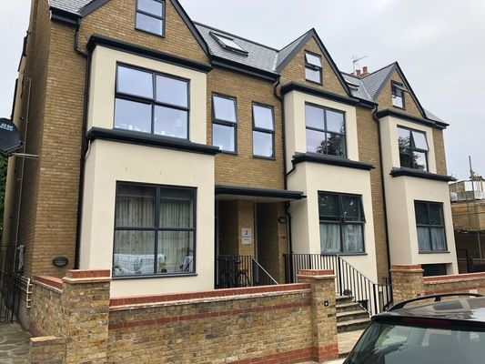 Thumbnail Maisonette to rent in Clock House Parade, North Circular Road, London