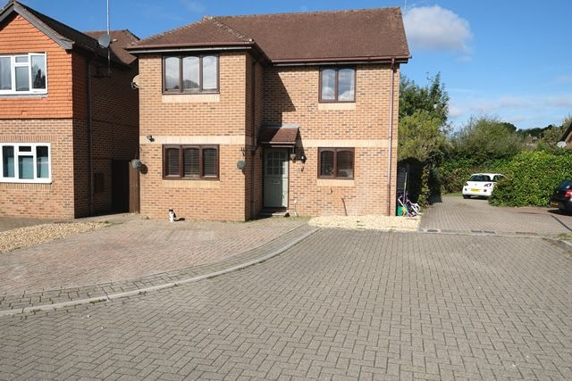 Thumbnail Detached house for sale in Park Close, Marchwood