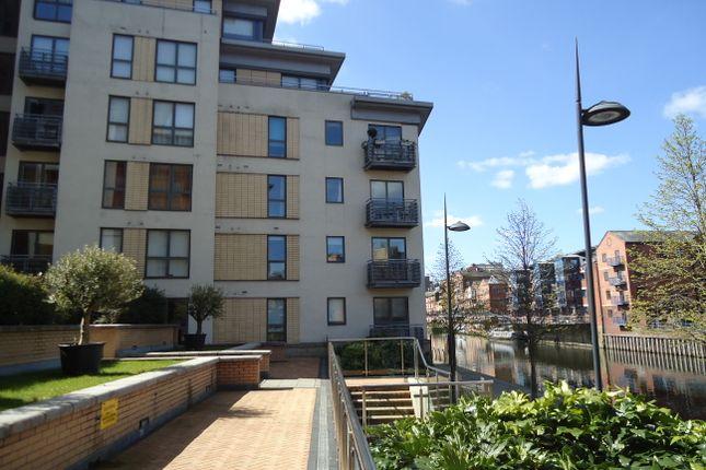 Thumbnail Flat to rent in Bowman Lane, Leeds