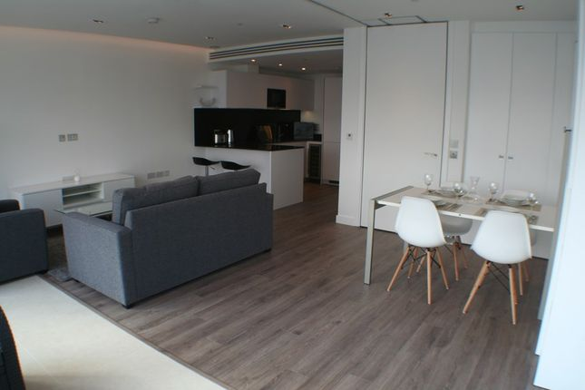 Thumbnail Flat for sale in Satin House, Piazza Walk, London
