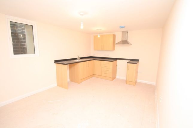 Thumbnail Flat to rent in Upton Road, Torquay