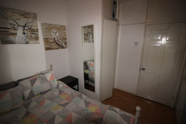 Photo 5 of Wheler Hosue, Quaker Street, Shoreditch E1