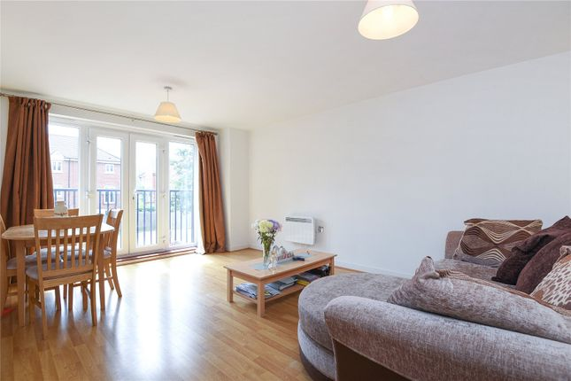 Thumbnail Flat to rent in Aphelion Way, Shinfield, Reading, Berkshire