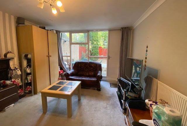 Living Room of Uxbridge UB9,