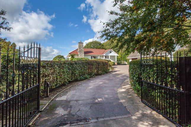 5 bed detached house for sale in Amsbury Road, Hunton, Maidstone, Kent ME15