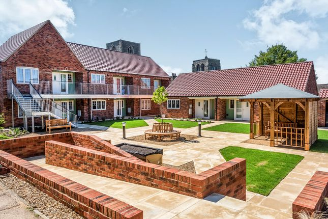 Thumbnail Flat for sale in York Place, Becclesgate, Dereham