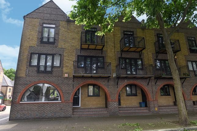 Thumbnail Terraced house for sale in Greenland Quay, London