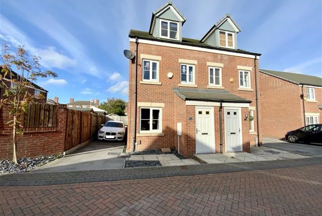 3 bed semi-detached house for sale in Harvest Avenue, Thurcroft, Rotherham S66