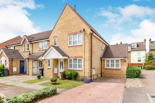 End terrace house for sale in Thorne Close, Boxmoor, Hemel Hempstead
