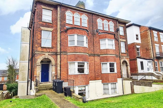 2 bed flat to rent in Cliff Road, Dovercourt, Harwich CO12