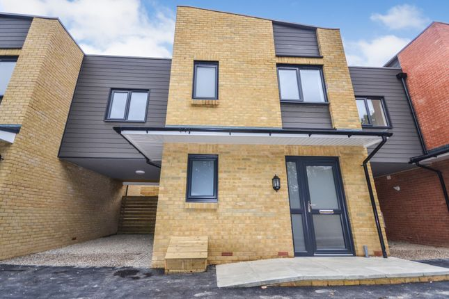 Thumbnail Property to rent in Bishop Avenue, Hastings