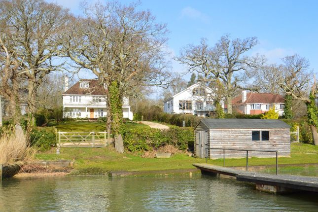 From The Pontoon of New Road, Wootton Bridge, Ryde PO33