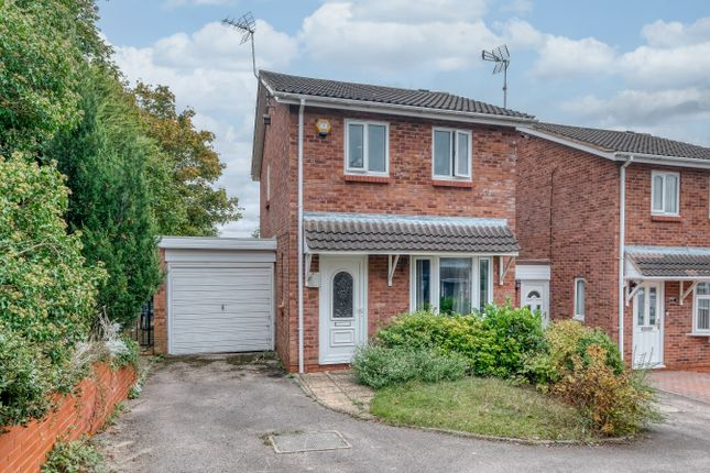 Thumbnail Link-detached house to rent in Ganborough Close, Redditch