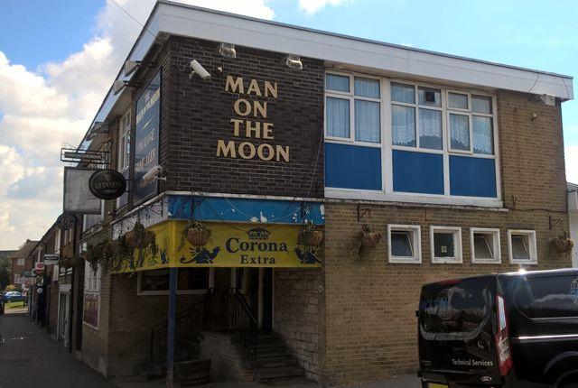 Thumbnail Pub/bar for sale in Headley Drive, Croydon