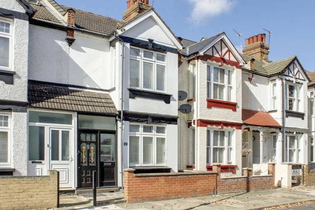Thumbnail Property for sale in Kynaston Road, Enfield
