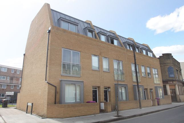Thumbnail Flat to rent in Sarum Terrace, Bow Common Lane, London