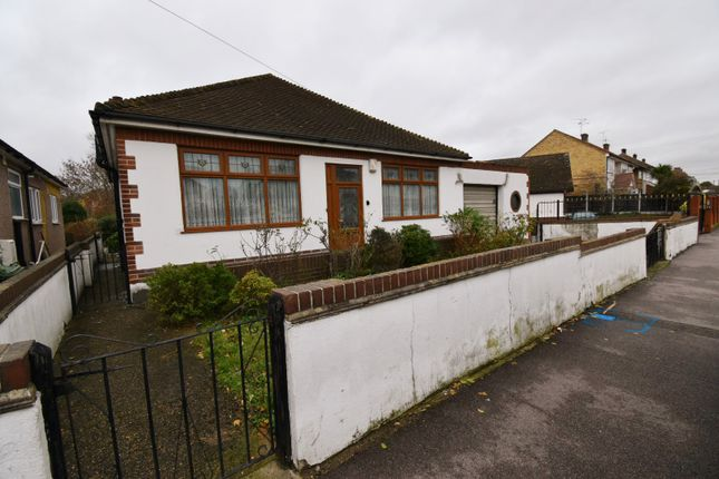Thumbnail Bungalow to rent in Philip Road, Essex