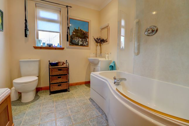 Family Bathroom of Crosslaw Burn, Moffat DG10