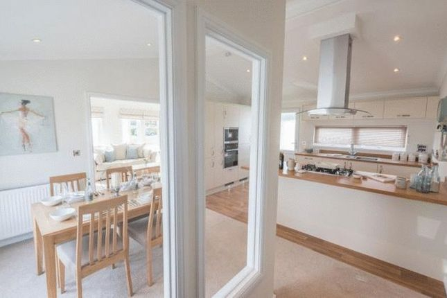 Thumbnail Detached bungalow for sale in New Road, Clifton, Shefford