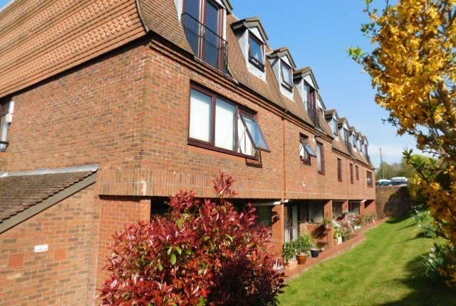 Thumbnail Flat to rent in 127 Hastings Road, Pembury