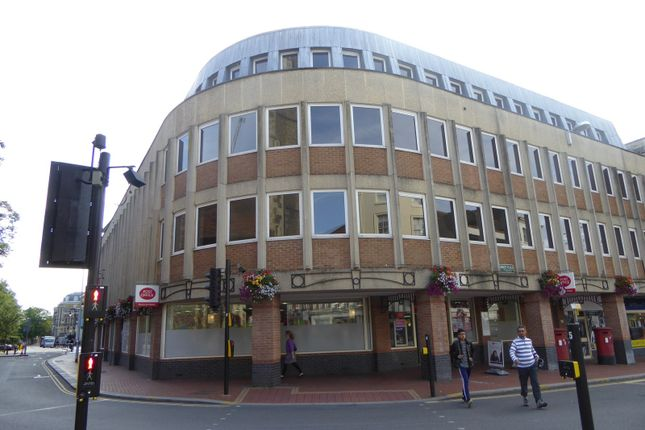 Thumbnail Flat to rent in Sussex House, 6 The Forbury, Reading