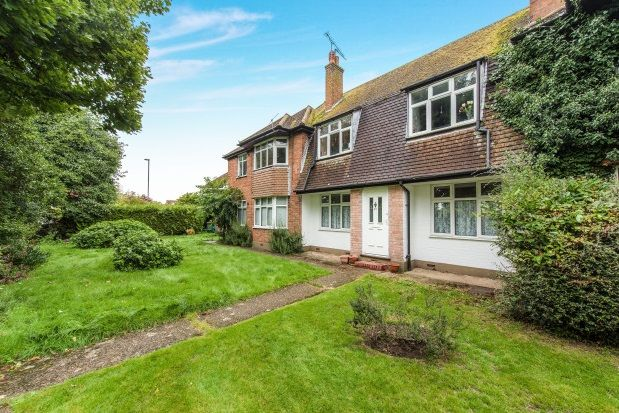 Thumbnail Flat to rent in Hollyhedge Road, Cobham