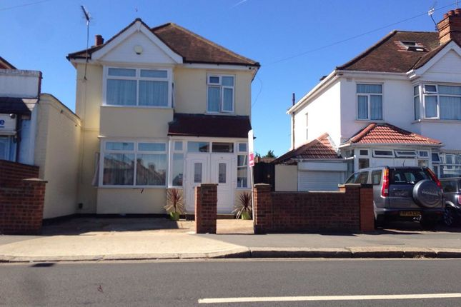 Thumbnail Detached house to rent in Martindale Road, Hounslow