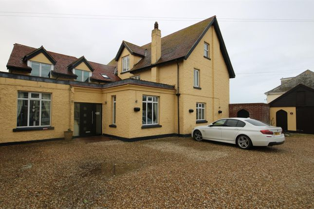 Thumbnail Detached house for sale in Mount Wise, Newquay