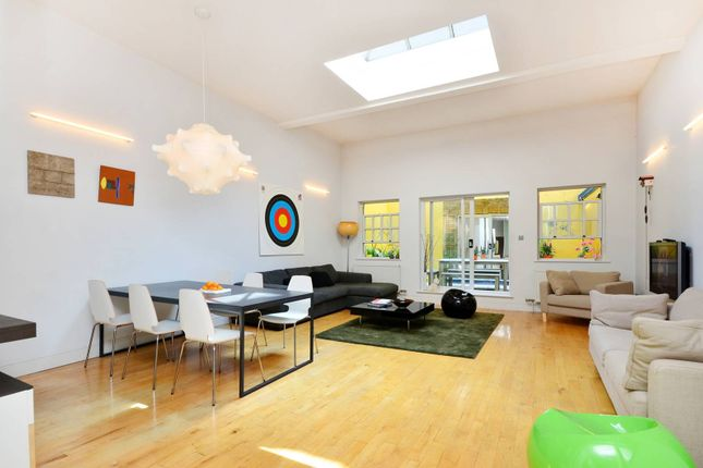 Flat for sale in The Strand, Covent Garden
