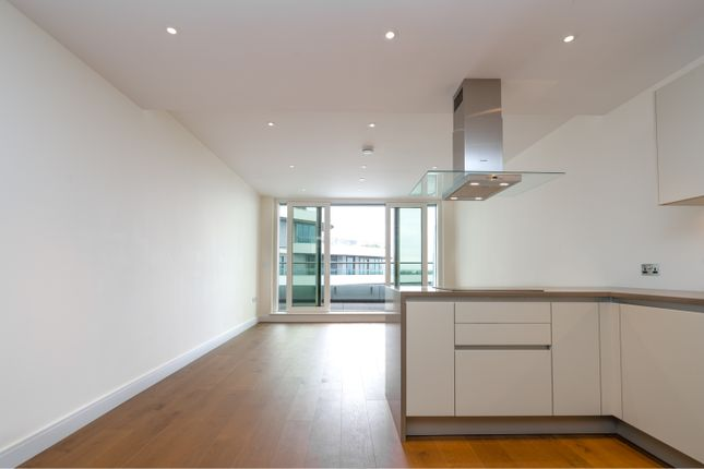 3 bed flat for sale in 1 Sopwith Way, London SW11