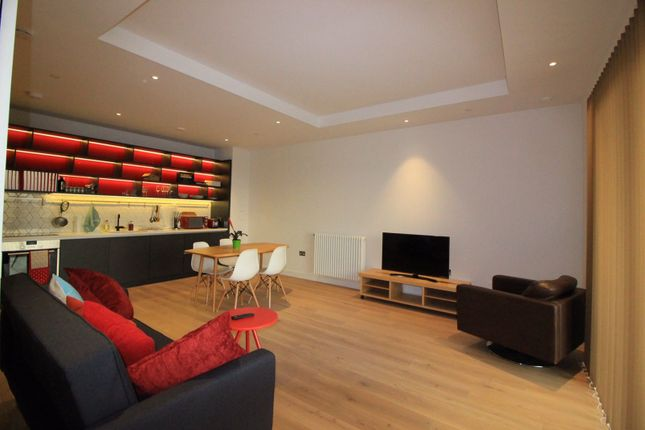 3 bed flat to rent in Herculus House, London