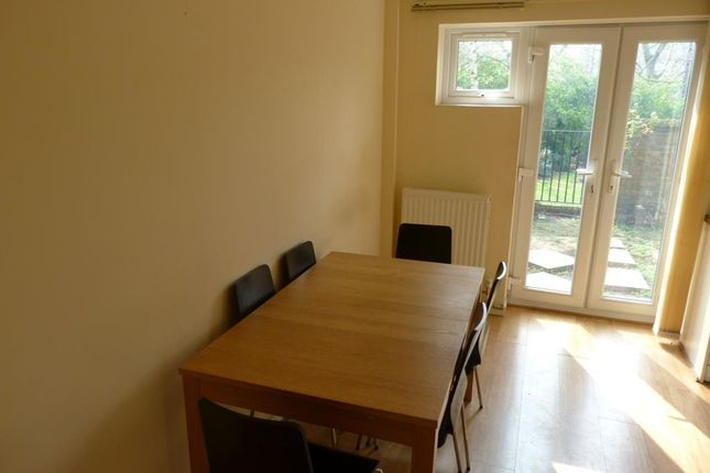 Thumbnail Flat to rent in Ironmongers Place, Isle Of Dogs, London