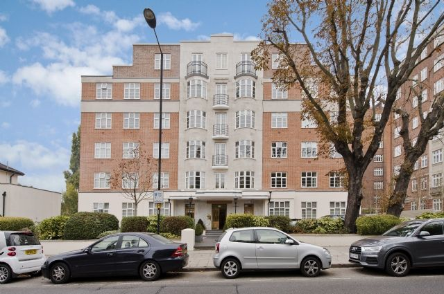 2 bed flat to rent in William Court, 6 Hall Road, St. John's Wood, London