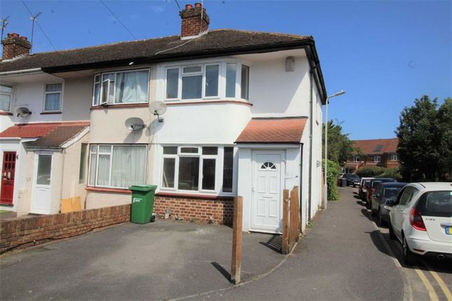 Thumbnail Property to rent in Bower Way, Cippenham, Berkshire