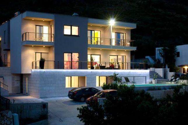 Thumbnail Villa for sale in Krvavica, Croatia
