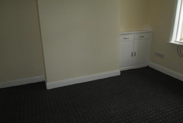 3 bed end terrace house to rent in Springfield Road, Burnley BB11
