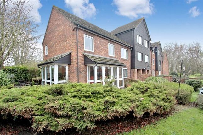 Thumbnail Property for sale in Caldecott Road, Abingdon