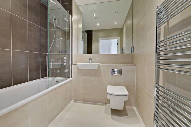 Bathroom of Ebony Crescent, Cockfosters EN4