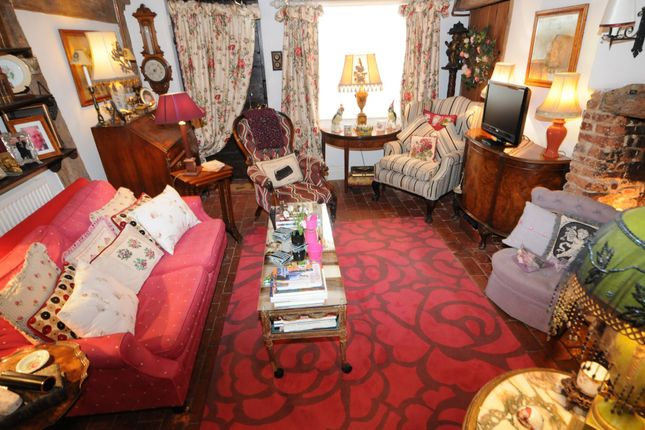 Thumbnail Cottage to rent in Gravel Hill, Henley-On-Thames
