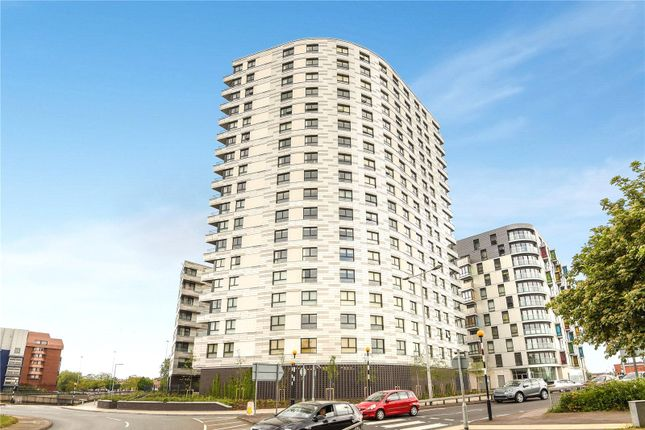 Thumbnail Flat for sale in Hewitt, 40 Alfred Street, Reading, Berkshire