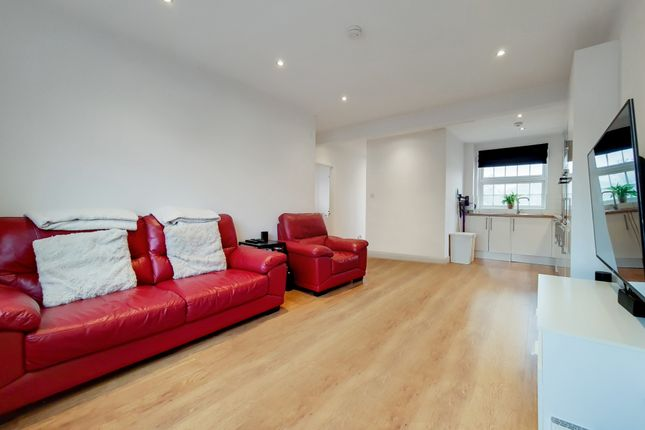 3 bed maisonette for sale in Combedale Road, Greenwich, London SE10