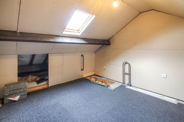 Attic Room of Cemetery Road, Leabrooks, Alfreton DE55