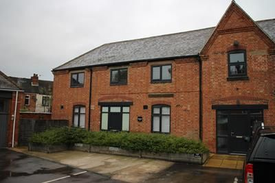 Office to let in The Old Coach House, Wharncliffe Road, Loughborough, Leicestershire