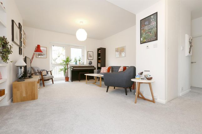 Thumbnail Flat to rent in Warley Street, London