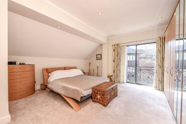 Picture No. 09 of Jacaranda House, Woburn Hill Park, Woburn Hill, Surrey KT15