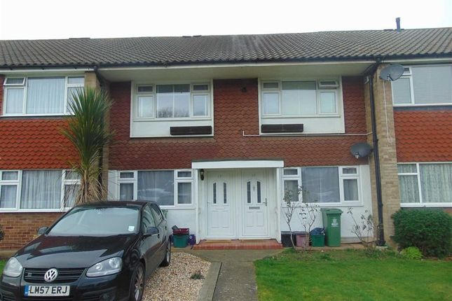 Thumbnail Maisonette to rent in Appledore Crescent, Sidcup, Kent