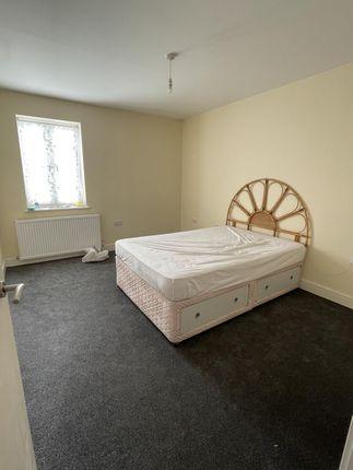 Thumbnail Flat to rent in Athelstan Road, Harold Wood, Romford