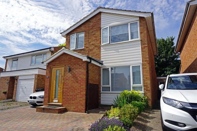 Thumbnail Detached house for sale in Kings Down, Hitchin