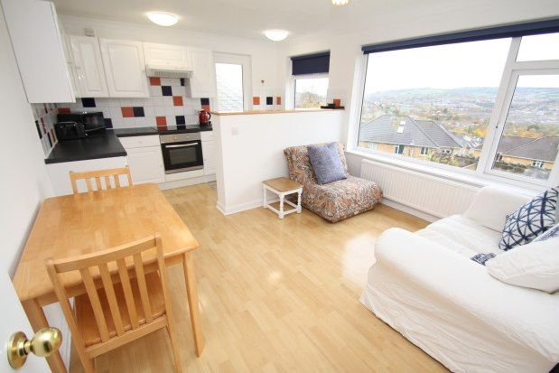 Thumbnail Flat to rent in 212 Bloomfield Road, Bath